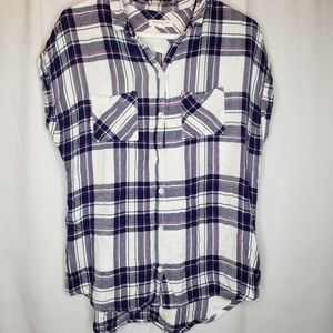BeachLunchLounge short sleeve button up plaid top